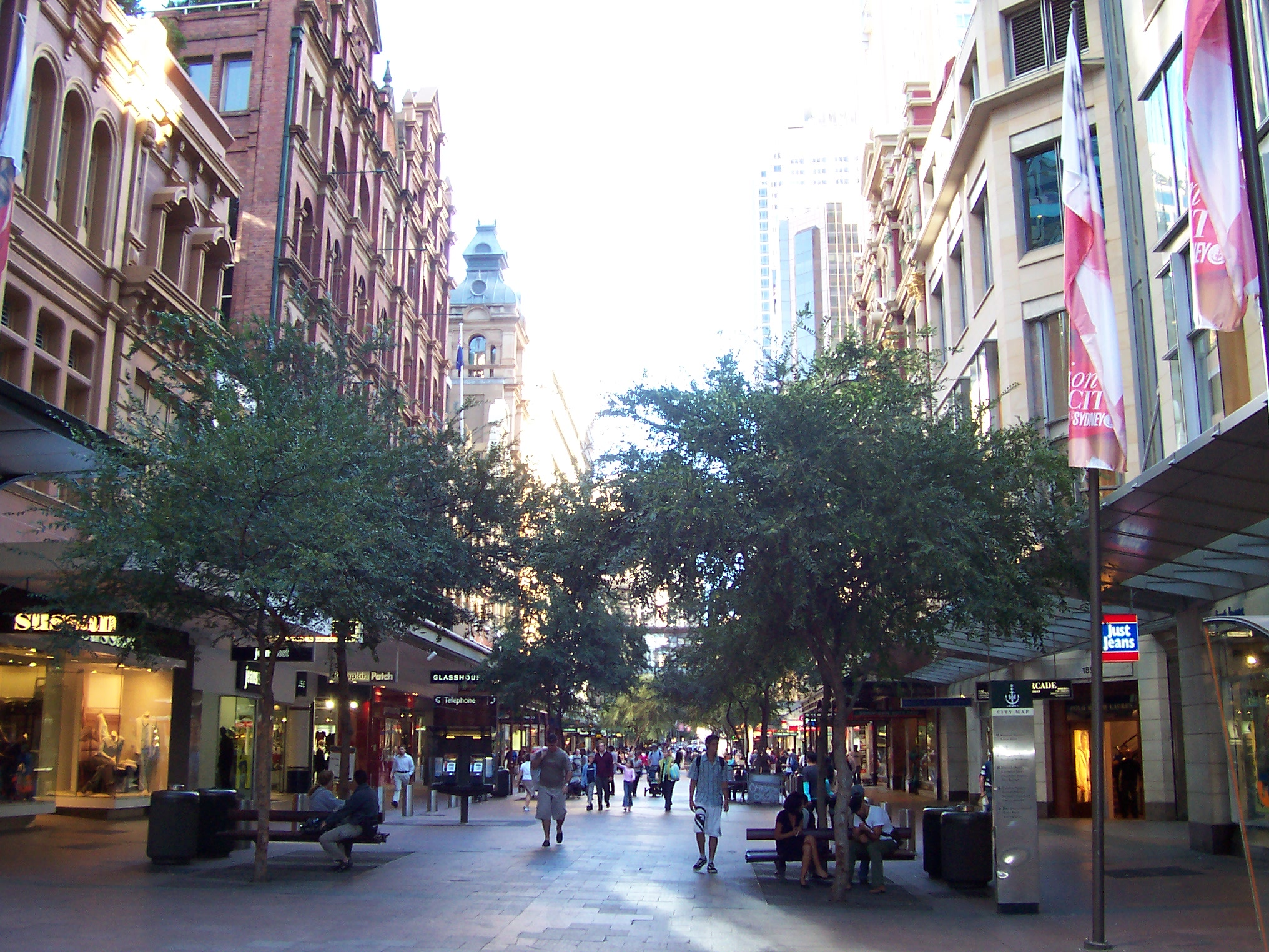 Pitt Street Mall is located near our dentistry.